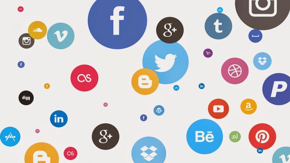 ما عقوبةلمساس ا بالآداب العامة في مواقع التواصل الاجتماعي بالإمارات؟